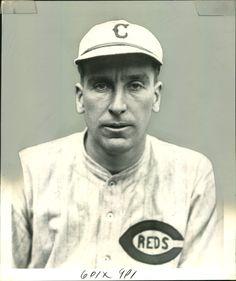 1925 - Eppa Rixey, pitcher for the Cincinnati Reds Baseball Stuff, Baseball Photos, Baseball Cards, Mlb Uniforms, Bull Durham, Johnny Bench, Cincinnati Reds Baseball, Babe Ruth, Home Team