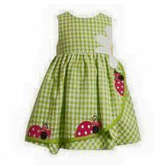 It's garden time! Your little girl will look so adorable in this green seersucker dress with crawling lady bugs and a darling daisy at the waistline. Little Dresses, Little Girl Dresses, Cute Dresses, Girls Dresses, Dress Girl, Girl Tutu, Baby Dresses, 50s Dresses, Elegant Dresses