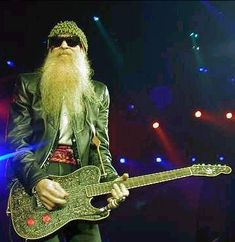 Su guitarrista favorita fue Billy Gibbons de Z. (His favorite guitar player was Billy Gibbons of Z. he liked how he played the guitar) Zz Top, Jimi Hendrix, Billy Gibbons Guitar, Rock Music, My Music, Frank Beard, Cinema, Blues Rock, Sharp Dressed Man