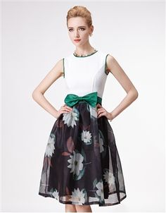Green Bow Floral Dress Daytime Dresses, Winter Time, Dresses For Work, Bows, Floral, Green, Skirts, Color, Beautiful