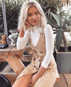 Photo shared by Laura Jade Stone on July 2018 tagging Image may contain: 1 person Fall Winter Outfits, Autumn Winter Fashion, Spring Fashion, Summer Outfits, Trendy Outfits, Cute Outfits, Fashion Outfits, Womens Fashion, Hijab Fashion