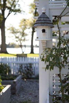 Bird Cages, Bird Feeders, Dream Garden, Garden Art, Beautiful Birds, Beautiful Gardens, House Beautiful, Simple Photo, White Cottage