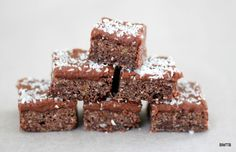 Chocolate Crunch Slice recipe by Baking Makes Things Better. A traditional NZ recipe using Weetbix.