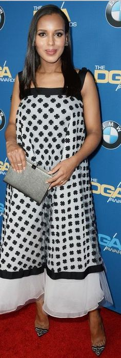 Kerry Washington: Dress – Oscar de la Renta  Shoes – Christian Louboutin  Ring – Martin Katz  Jewelry -Neil Lane