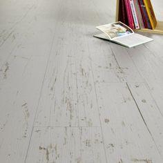 """parquet blanchi: """"Sol PVC Texline HQR hometown grey, GERFLOR, 4 m - parquet blanc vieilli Cuisine"""" Pvc Flooring, Grey Flooring, Parquet Flooring, Kitchen Flooring, Sol Pvc Imitation Parquet, Pine Floors, Hardwood Floors, Tiny Spaces, Home Staging"""