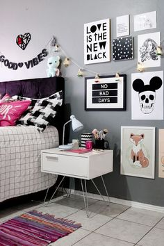 Teen bedroom themes must accommodate visual and function. Here are tips to create the coolest teen bedroom. Teen Girl Bedrooms, Teen Bedroom, Home Decor Bedroom, Bedroom Ideas, Diy Bedroom, Childrens Bedroom, Bedroom Ceiling, Bedroom Modern, Design Bedroom