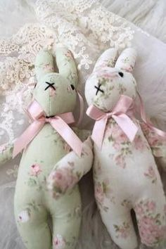 Shabby little bunnies