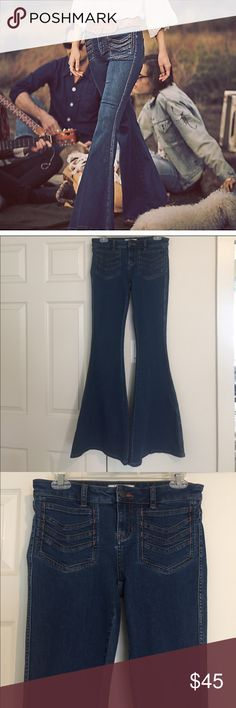Free People Stella High Rise Flare Jeans size 26 Super funky and comfortable Free People Stella High Rise flare Denim size 26. Never worn, perfect condition and completely unaltered. True blue classic Denim color. Free People Jeans Flare & Wide Leg