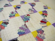 Vintage Grandmothers Fan Quilt 1940s Feedsack by ITSYOURCOUNTRY, $375.00