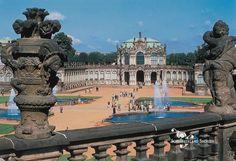 Der Dresdner Zwinger - Blick auf den Wallpavillon