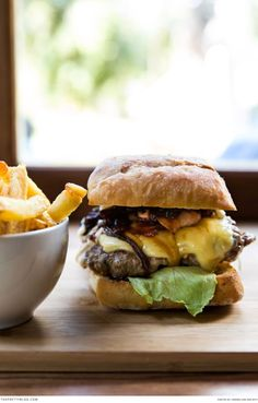 Gourmet burger at the Company's Gardens. Photographer: Andrea van der Spuy