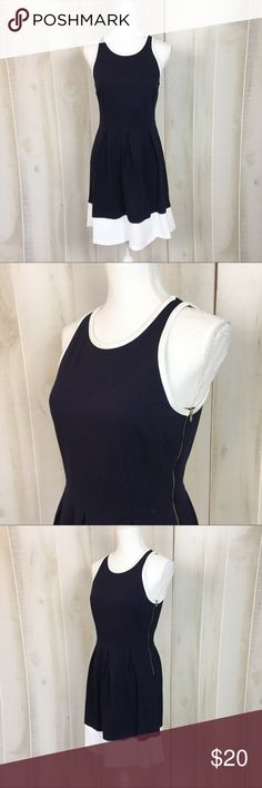 Crown & Ivy Navy and White Skater Dress With a flared skirt, this skater dress is ideal to wear to any event. Made from 100% cotton, this dress is a lovely piece. In good condition. 30197 Crown & Ivy Dresses Midi