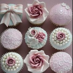 Vintage cupcake designs