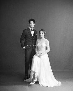 bridal photography poses Wedding Album With Black Pages Wedding Album Nautical Pre Wedding Poses, Wedding Couple Poses, Pre Wedding Photoshoot, Bridal Shoot, Wedding Couples, Korean Couple Photoshoot, Wedding Ideas, Couple Shoot, Wedding Themes