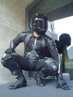 Nothing is cooler than in full black racing suit and black helmet. Motorcycle Suit, Motorcycle Leather, Motorcycle Jackets, Motard Sexy, Black Helmet, Biker Boys, Biker Gear, Bike Style, Man Photo
