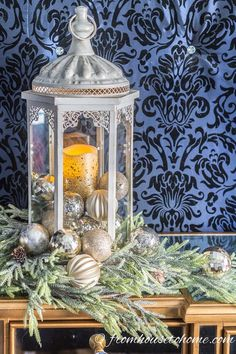Great blue and white Christmas decorating ideas! I love all of the beautiful Christmas tree ornaments and the Christmas fireplace mantle decor. Great blue and white Christmas Decorations For The Home, Christmas Lanterns, Christmas Table Settings, Christmas Home, White Christmas, Christmas Fireplace Decorations, Christmas Jesus, Christmas Island, Father Christmas