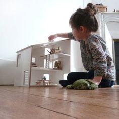 maison de poupée en contre plaqué filmé blanc / par MilkyWood