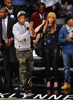 A Look Back at Beyoncé and Jay Z's Most Stylish Couple Moments Yet - At a New York Knicks game in November Jay Z showed off camouflage pants while Beyoncé paired - 4 Beyonce, Beyonce Style, Beyonce And Jay Z, Stylish Couple, Stylish Men, Black Love, Black Men, Couple Moments, Camouflage Pants
