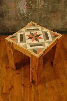 Mesa mosaico con palets