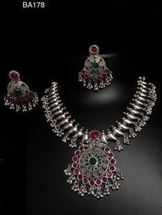 Vintage Silver Jewelry, Silver Jewellery Indian, Silver Bangles, Metal Jewelry, Jewelry Art, Antique Jewelry, Gold Jewelry, Silver Earrings, Jewelery