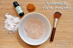 Face Powder Foundation - All Natural My Merry Messy Life: Homemade All Natural Face Powder Recipe - Use ingredients found in your kitchen!My Merry Messy Life: Homemade All Natural Face Powder Recipe - Use ingredients found in your kitchen! Beauty Care, Diy Beauty, Beauty Hacks, Beauty Ideas, Beauty Guide, Beauty Skin, Homemade Foundation, Powder Recipe, Homemade Cosmetics