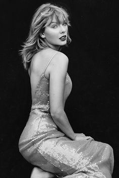 Legend has it; - Legend has it; Taylor Swift Music, Long Live Taylor Swift, Taylor Swift Hot, Taylor Swift Pictures, Katy Perry, Taylor Swift Wallpaper, Hollywood, Album, Role Models