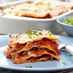 LASAGNE TIL MAFIAEN Iftar, Mafia, Cravings, Recipies, Curry, Food And Drink, Pizza, Cooking Recipes, Ethnic Recipes