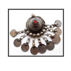 BIJOU BERBÈRE TOUAREG de la boutique LaChinneuse sur Etsy Bijoux Berberes, Bijoux  Ethniques, Voyages 5cbd03431e9