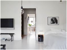 A cool black and white Swedish apartment My Scandinavian home Home Renovation, Home Remodeling, Dyi, Interior Styling, Interior Design, Interior Ideas, Tiny Furniture, Home Board, Minimal Home