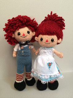 Raggedy Ann and Raggedy Andy crochet dolls