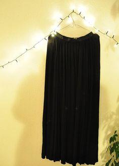 Kup mój przedmiot na #vintedpl http://www.vinted.pl/damska-odziez/spodnice/17908608-dluga-do-ziemi-czarna-spodnica