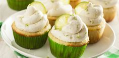 Gin and tonic cupcakes. http://drinksfeed.com/gin-and-tonic-cupcakes/ #foodporn