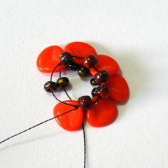 Preciosa free PDF for Flanders Poppy component.  #Seed #Bead #Tutorials