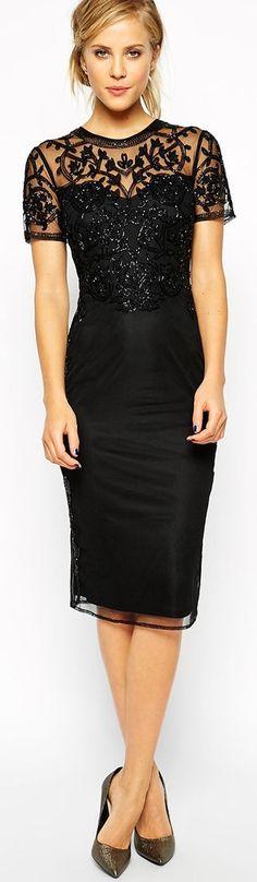 Resultado de imagen de Black Baroque Embellished Shift Dress