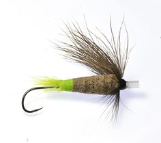 Here another steelhead wake fly pattern we have done on our riffling hitch tube… Fly Tying, Fly Fishing, Skating, Tube, Camping, Big, Creative, Green, Shop