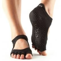 ToeSox Women's Bellarina Half Toe Grip Non-Slip for Ballet, Yoga, Pilates, Barre Toe Socks >>> See this great product. (This is an affiliate link and I receive a commission for the sales) Pilates Socks, Yoga Socks, Pilates Barre, Pilates Fitness, Fish Net Tights Outfit, Dance Socks, Doc Martens Outfit, Grip Socks, Barre Workout