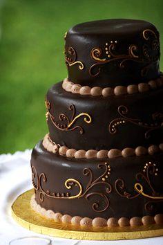 scroll chocolate cake