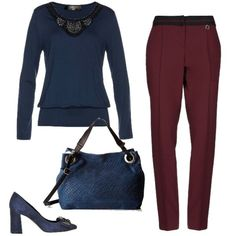 b6a97037bb Maglioncino decorato su pantaloni bordeaux, mocassini alti con  applicazioni, capiente borsa. Abbigliamento Da