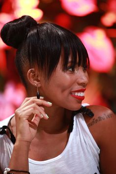 The amazing and famous South African born Musician, Actress & talented Presenter - Denise Zimba, had glowed in Jack Friedman jewellery during the final episode of Wedding Bashers. How amazing is she? Jewellery Earrings, Engagement Jewelry, Fine Jewelry, African, Celebs, Actresses, Amazing, Wedding, Fashion