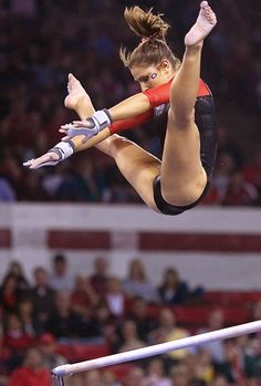 Courtney Kupets (USA) Artistic Gymnastics HD Photos Source by Gymnastics Flexibility, Acrobatic Gymnastics, Sport Gymnastics, Olympic Gymnastics, Olympic Games, Gymnastics Problems, Tumbling Gymnastics, Amazing Gymnastics, Gymnastics Photography