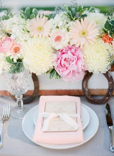 Overflowing Florals Tablescape !