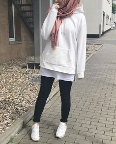 Hoodies and oversized sweaters with hijab – Just Trendy Girls