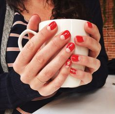 Pretty Red Mani via