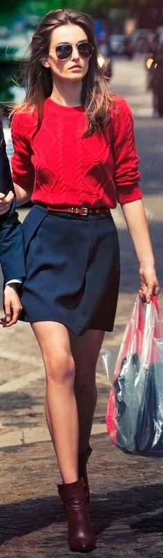 Look de trabalho, sweater vermelho, tricot, saia azul marinho, bota. Cute Casual Outfits, New Outfits, Girl Outfits, Casual Clothes, Winter Outfits, Sunglasses Online, Ray Ban Sunglasses, Clubmaster Sunglasses, Sunglasses Outlet