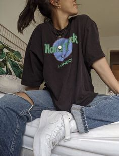 Fashion Tips For Women In Their Skater Girl Outfits Aesthetic fashion Tips women Cute Casual Outfits, Edgy Outfits, Mode Outfits, Retro Outfits, Summer Outfits, Summer Clothes, Casual Dresses, Vintage Hipster Outfits, Black Converse Outfits