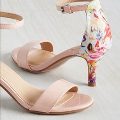 Floral Print Shoes, Floral Heels, Pink Heels, Shoes Heels, Printed Shoes, Strappy Shoes, Pretty Shoes, Beautiful Shoes, Cute Shoes