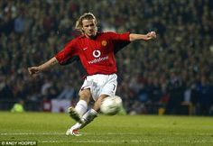 Proving a point: Beckham came on after 63 minutes and scored twice, including a trademark free-kick David Beckham Football, Soccer Drawing, Posh And Becks, Football Boots, Football Stuff, Manchester United Images, Free Kick, Charming Man