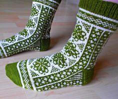 Knitted Mittens Pattern, Crochet Socks, Knit Mittens, Knitting Socks, Crochet Yarn, Hand Knitting, Knit Socks, Bead Sewing, Love Sewing