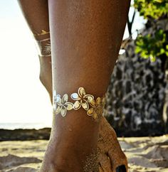 Flash Tattoos. Hibiscus flowers! #love