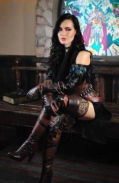 Witcher 3 - Yennefer cosplay by Hannuki Moda Steampunk, Gothic Steampunk, Style Steampunk, Steampunk Clothing, Steampunk Fashion, Gothic Fashion, Style Fashion, Gothic Clothing, Steampunk Cosplay